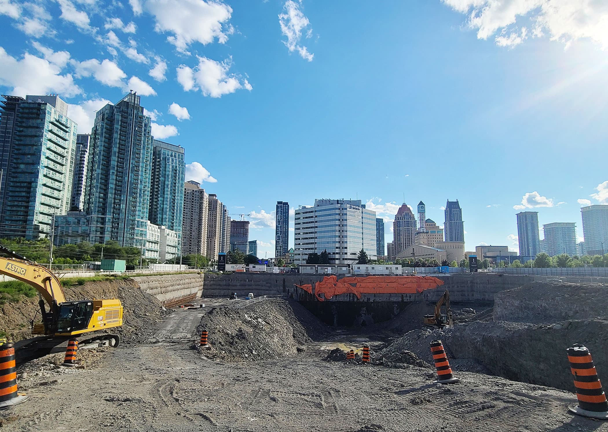 [object object] Downtown Mississauga New Condos For Sale new downtown mississauga condos exchange district ex3 construction